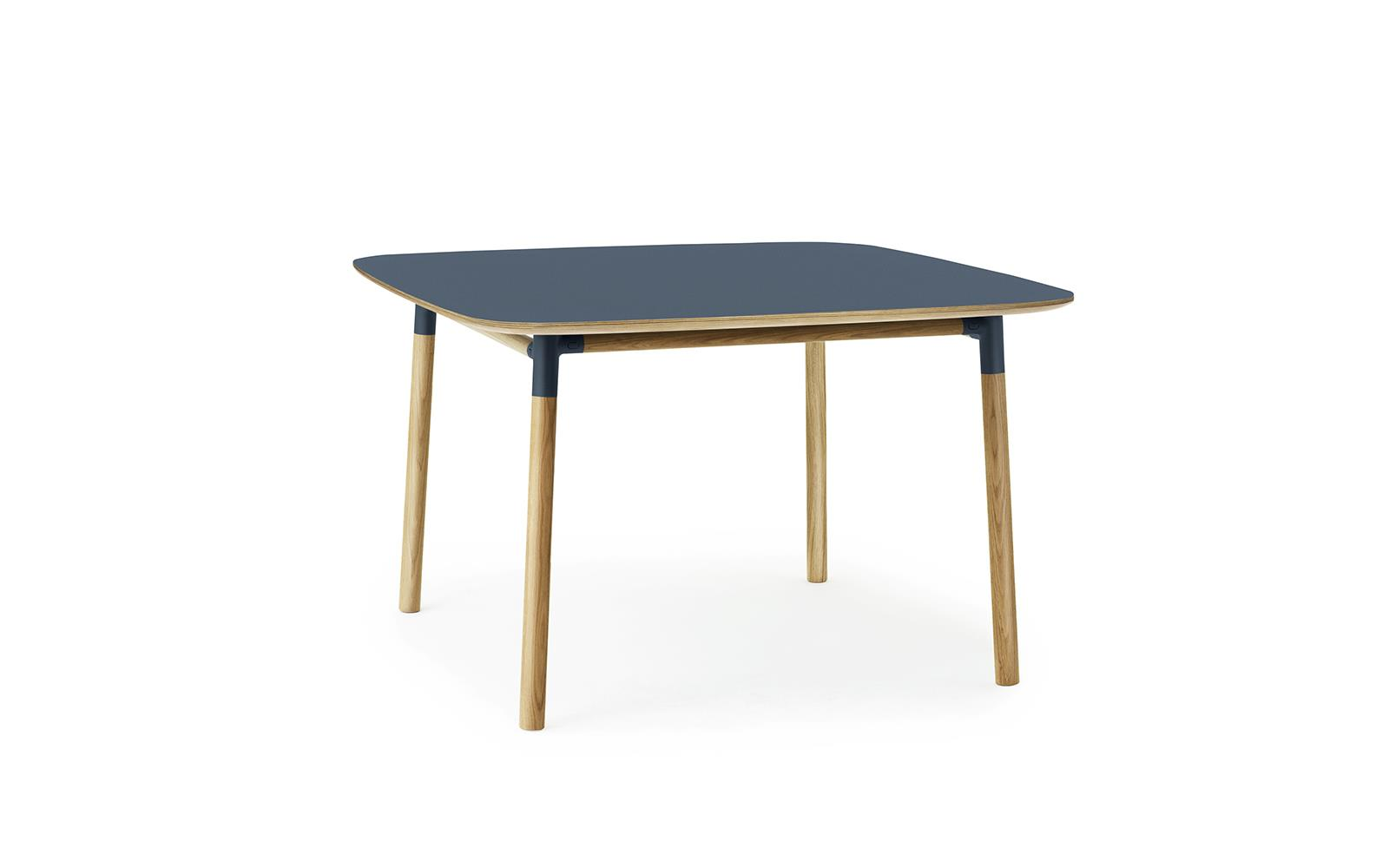Form Table 120 x 120 cm2