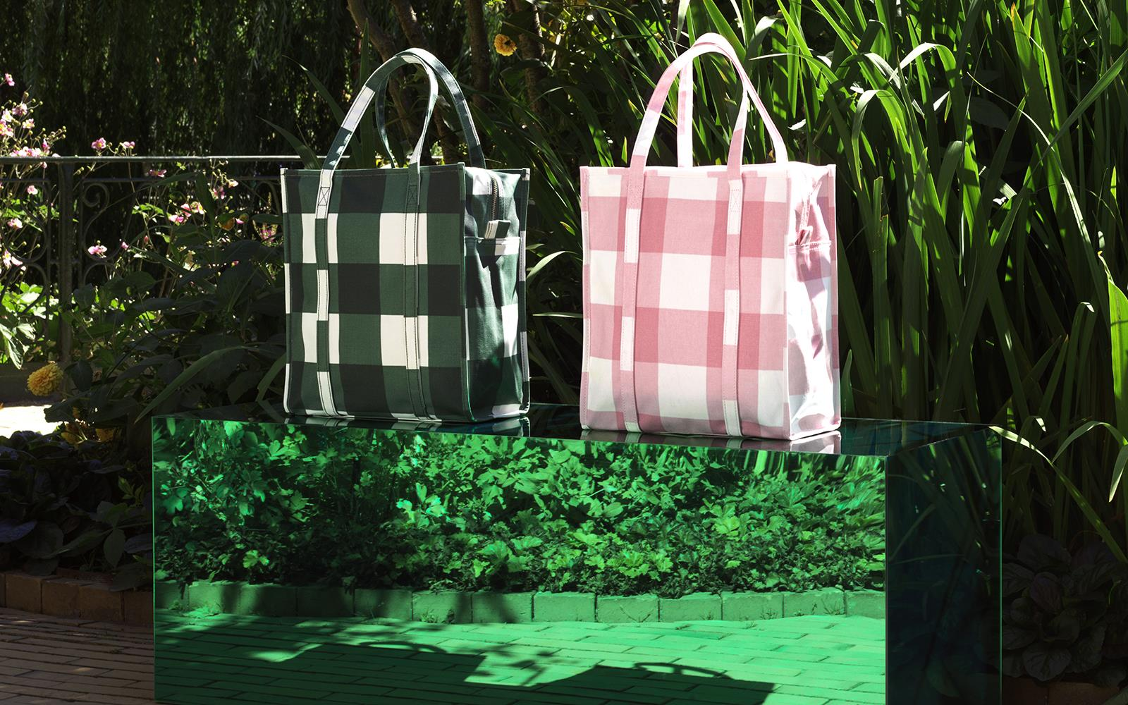 Mega Check Shopping Bag3