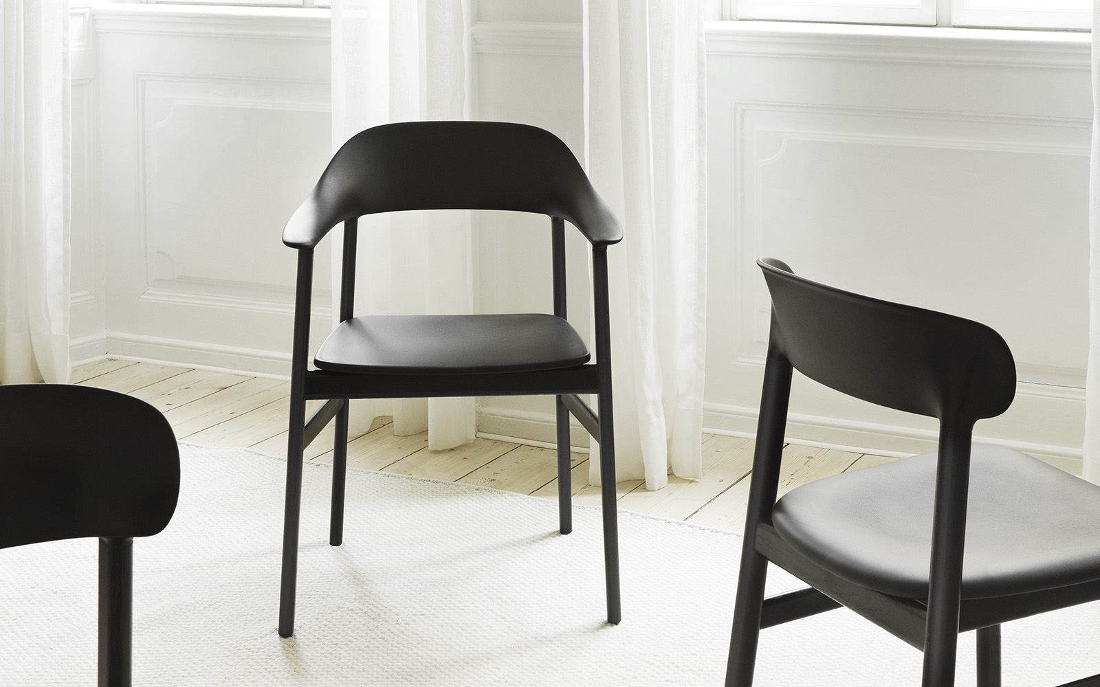 Herit Armhair Black Oak - Normann Copenhagen