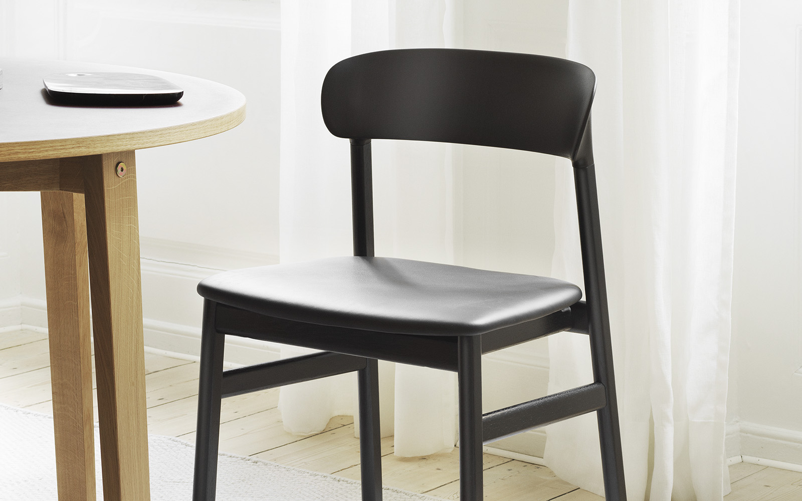 Herit Chair Black Oak - Normann Copenhagen