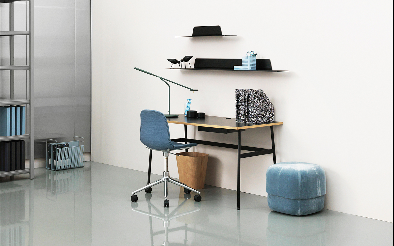 The Desk Is Suitably Small So That It Doesn T Take Up Too Much Space And Can Be Found In Four Calm Colors Designed By Simon Legald Designer