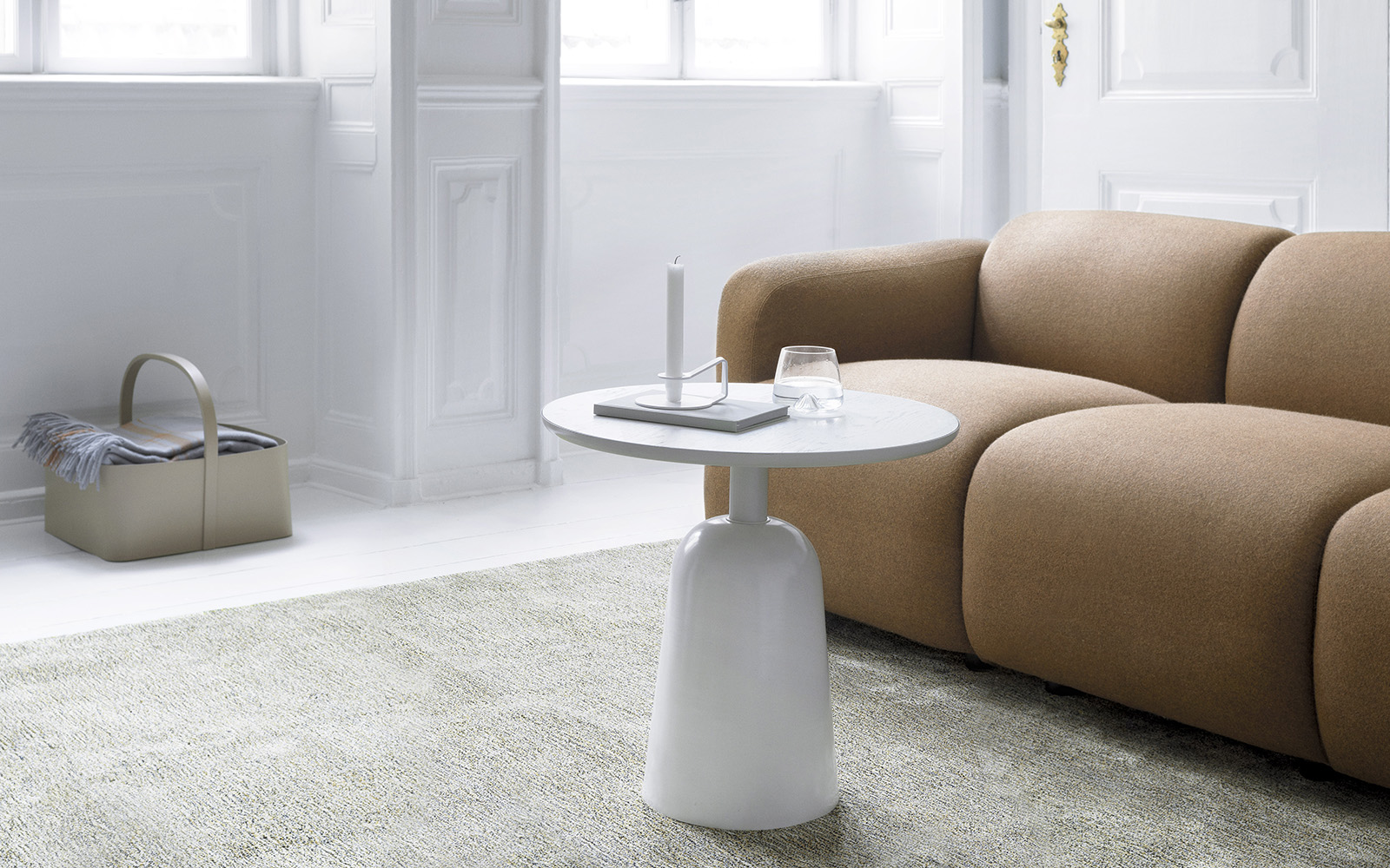 Turn Table Warm grey - Normann Copenhagen