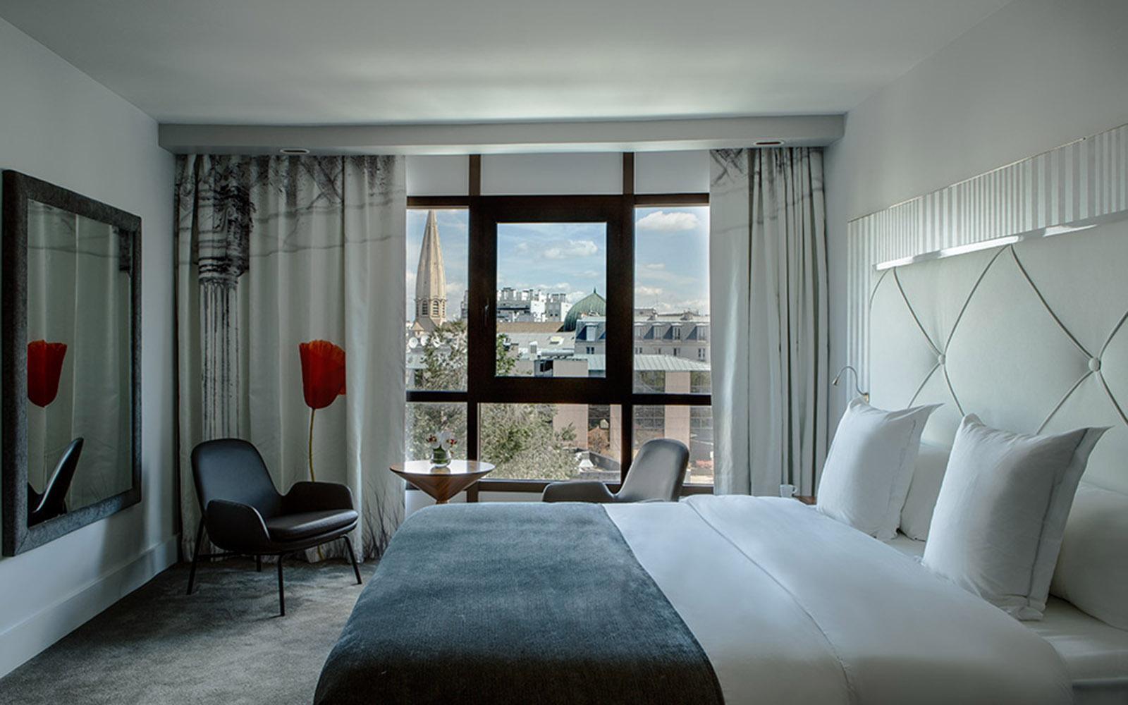 Hotel Le Parisis