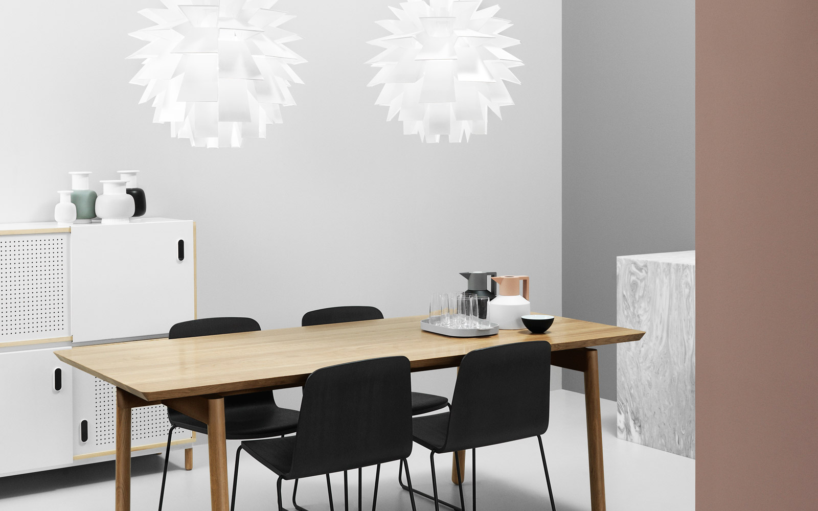 kabino sideboard a versatile sideboard for extra storage. Black Bedroom Furniture Sets. Home Design Ideas