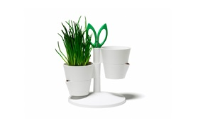 Heb Stand white frontview function with herb and scissors