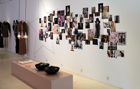 Flagship store Fashion RIKA wall with pictures